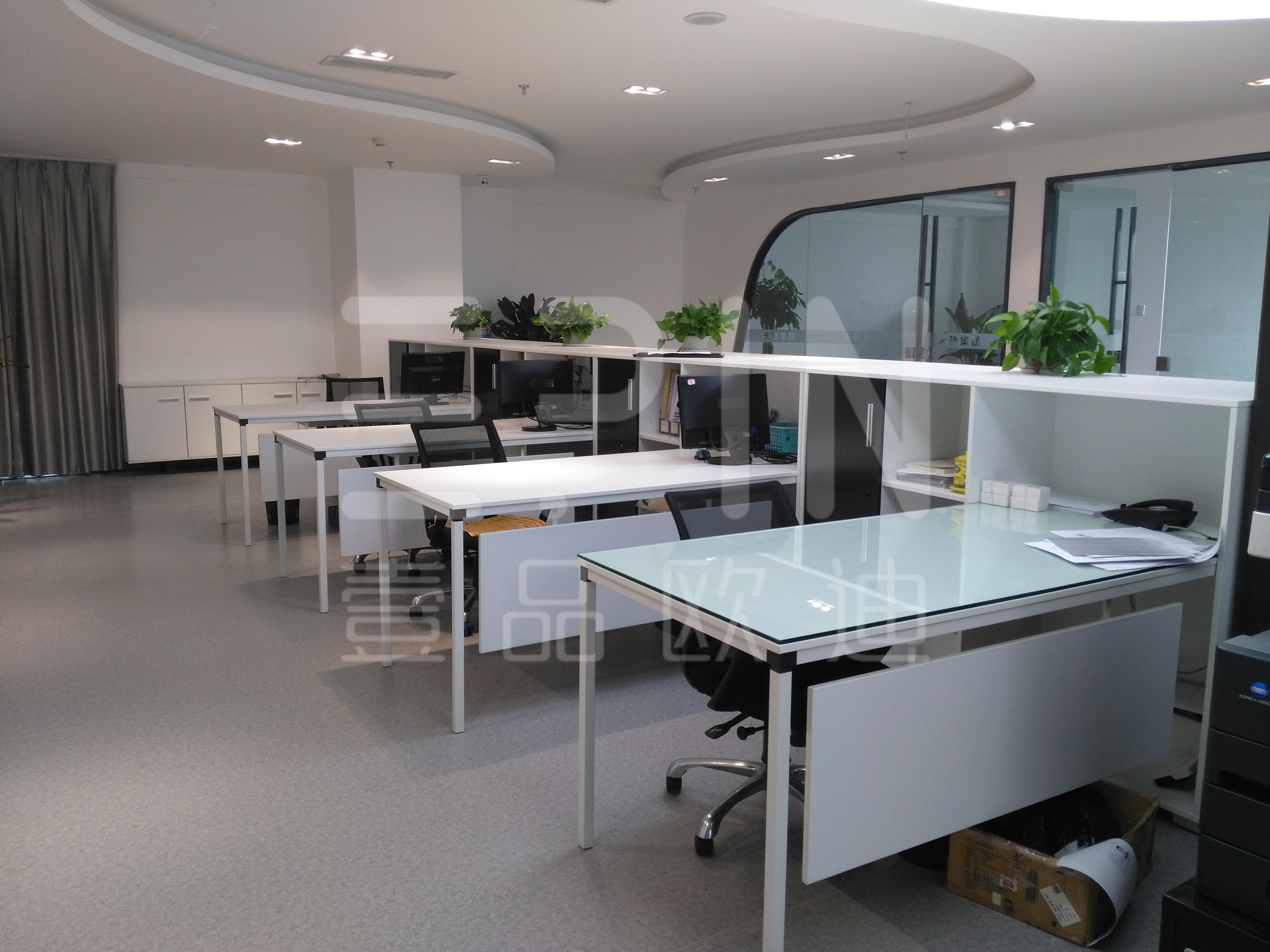 创业型公司企业采购现代办公家具应首先考虑什么?