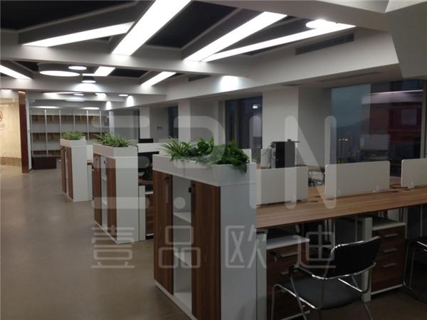 重庆紫荆医疗-壹品欧迪成都办公家具定制工程案例