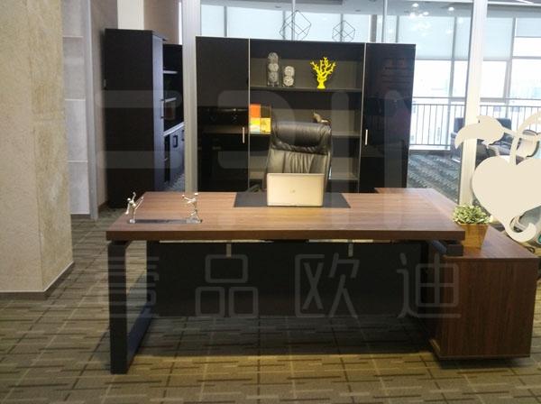 成都办公家具厂教您怎么选购班台及保养
