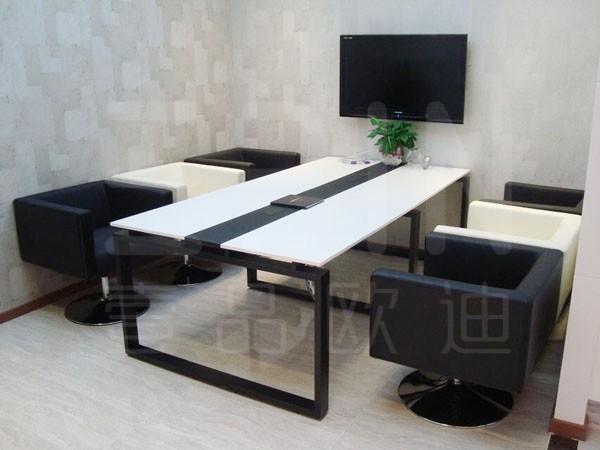 先睹为快:又又双双上新了三款现代办公家具