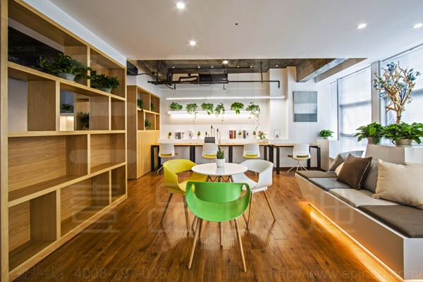 现代办公家具打造出来一个世外桃源般的办公环境-loft风格