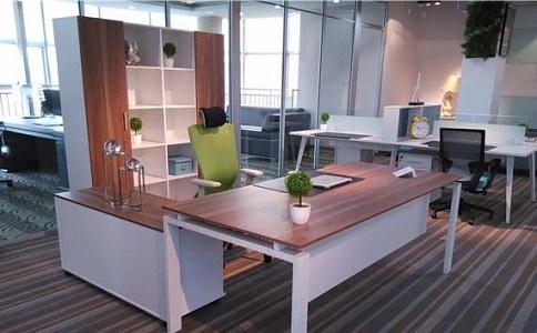 成都办公家具材质选择哪种好?实木好还是铁质好呢?