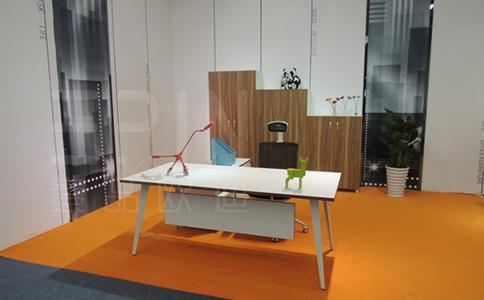 办公桌椅有哪些实用选择技巧?