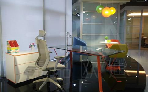 成都板式屏风办公家具批发价格是多少钱?