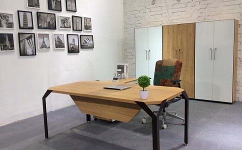 定制板式办公桌需注重哪些问题?