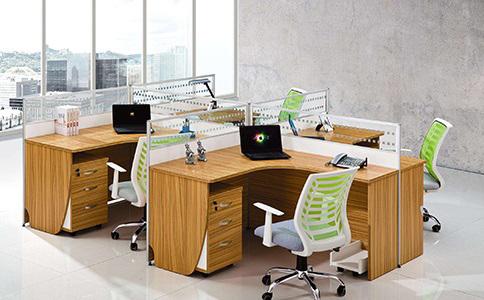 成都屏风办公桌椅定制价格通常是多少钱?
