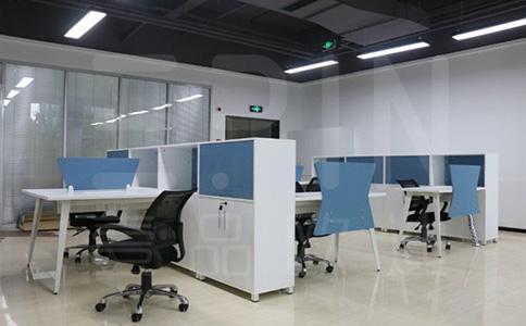 企业实木办公家具表面损坏要如何处理?